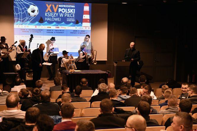 Mistrzostwa Polski Księży w piłce halowej rozgrywane są w hali Milenium w Kołobrzegu